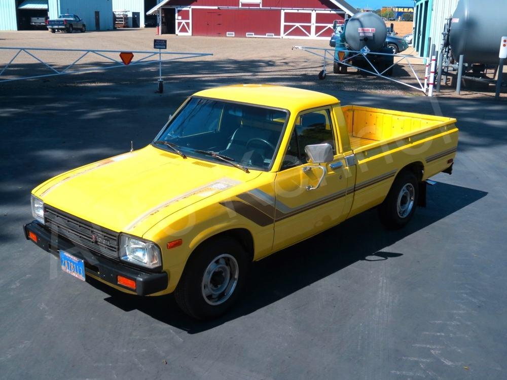 1982 TOYOTA SR5 PICKUP TRUCK